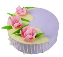 торт Лиловый с шоколадными цветами