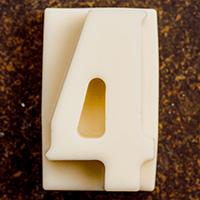 торт Шоколадная цифра 4 (белый шоколад)