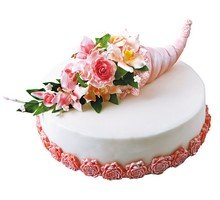 торт Рог изобилия с цветами